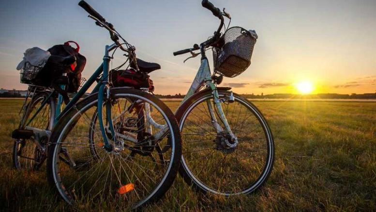 Cicloturismo, sulle due ruote alla scoperta dei territori